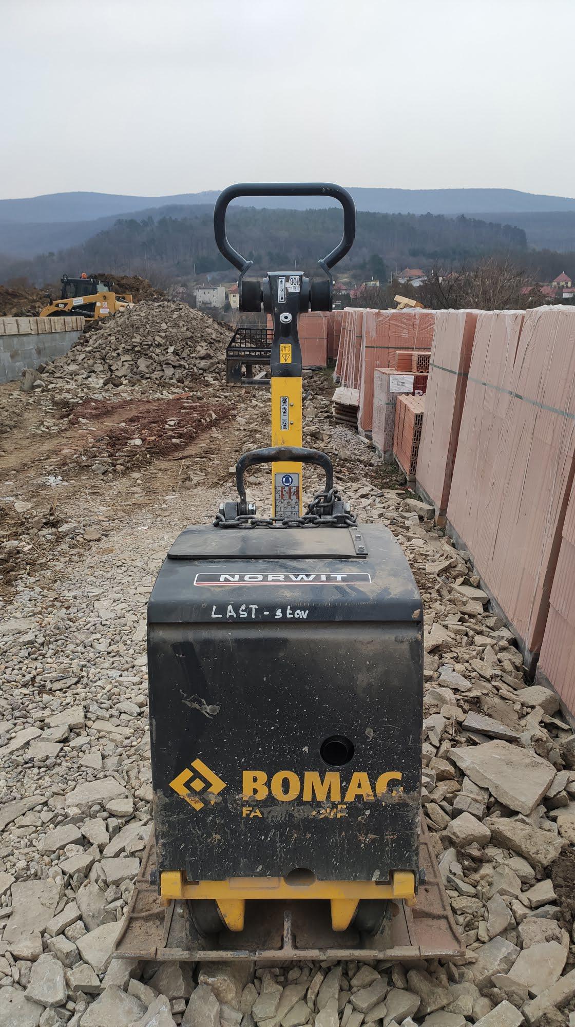 Vibračná doska BOMAG 450kg