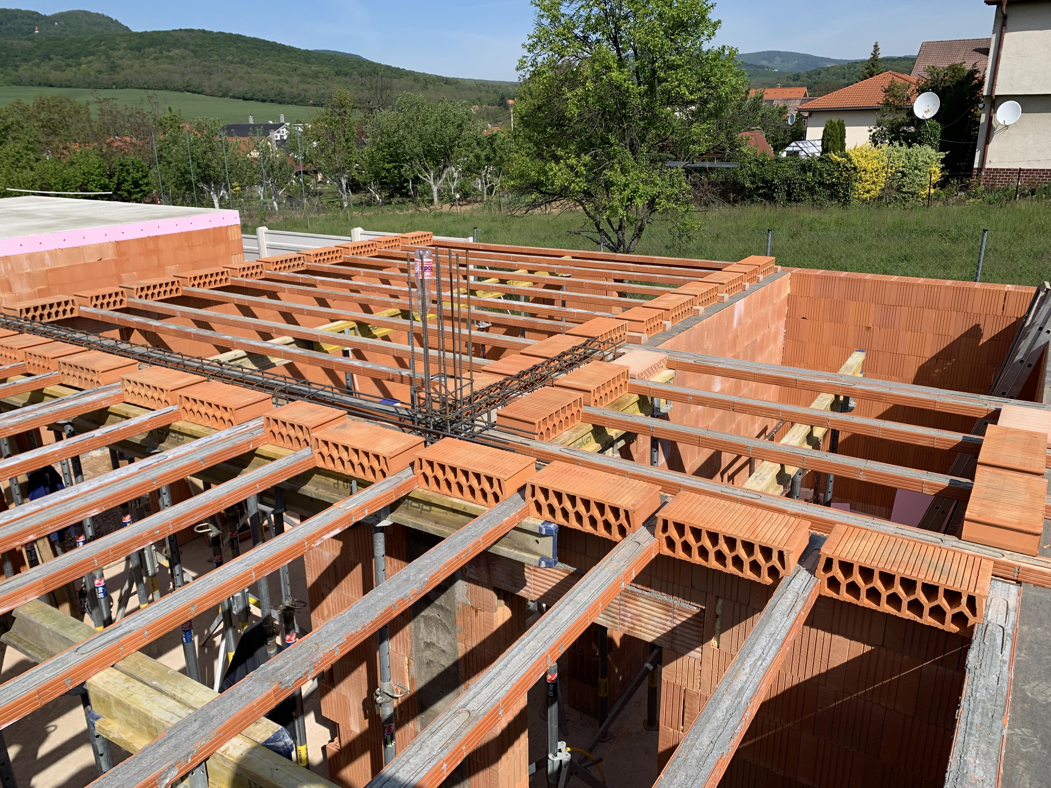Stavba rodinného domu Velčice