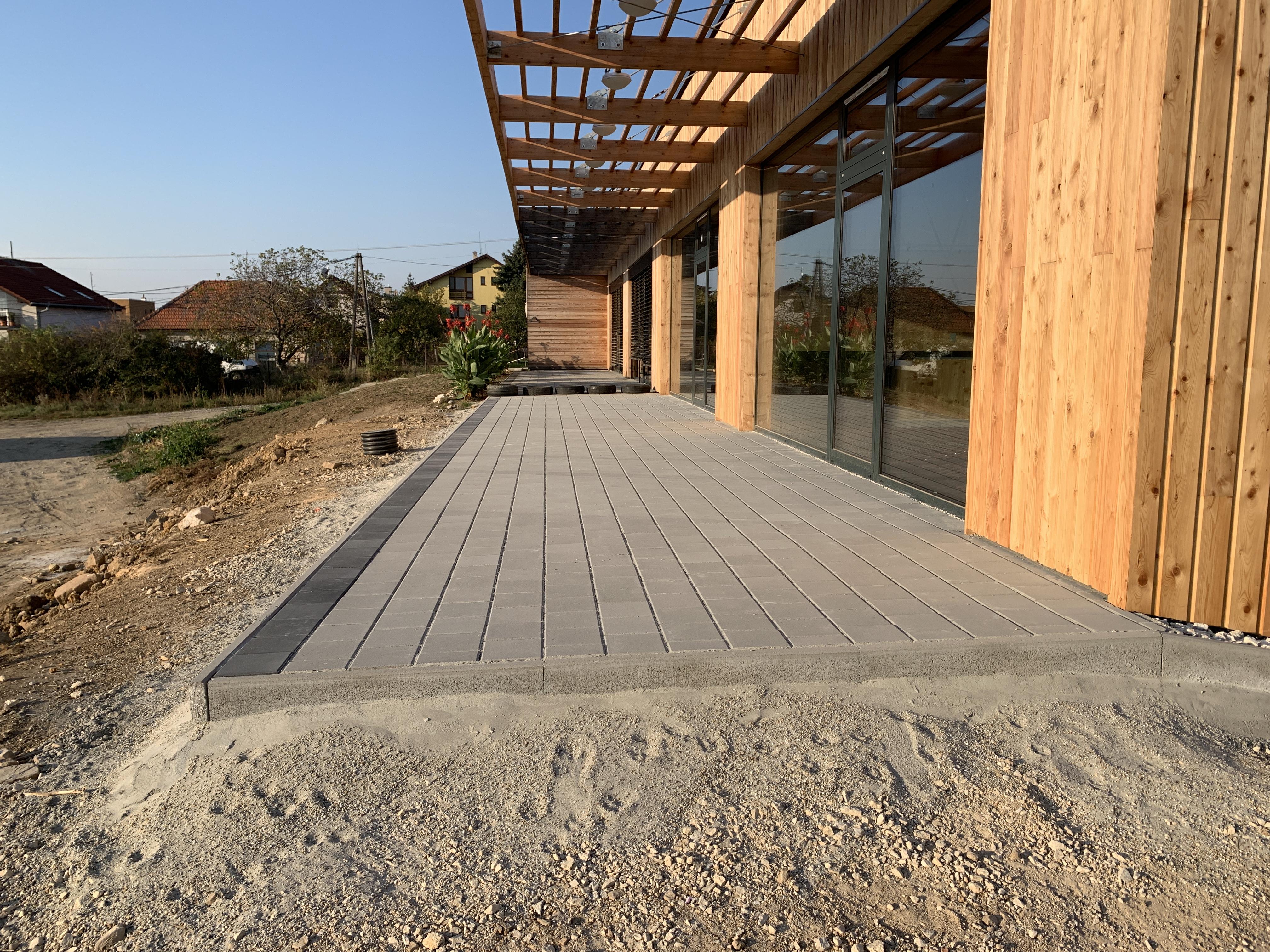 Drevená prístavba škôlky v Nitrianskych Hrnčiarovciach